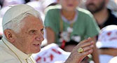 """""""Eucaristia nos arranca do individualismo"""", destaca Bento XVI"""