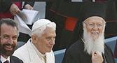 """""""Que a amizade possa crescer """" com o desejo de construir um mundo melhor, pede Bento XVI"""