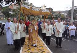 Paróquia SCJ se reúne para celebrar Corpus Christi