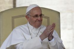 """Papa Francisco """"A fé se professa com as palavras e com o amor"""""""