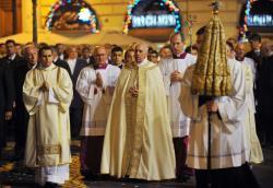 Papa na Missa de Corpus Christi: seguimento comunhão e partilha
