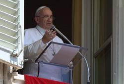 Papa Francisco convida fiéis a rezar com insistência