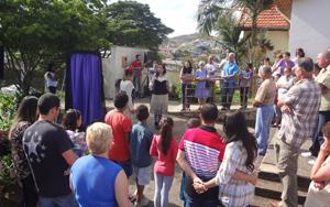 Cia. Teatral Mística Flor  se apresenta na comunidade São José