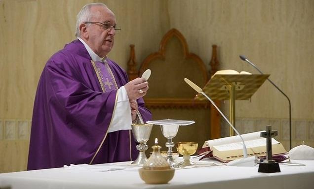 Francisco: os pobres são a verdadeira riqueza da Igreja, não o dinheiro
