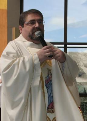 Entrevista com Padre Graciano